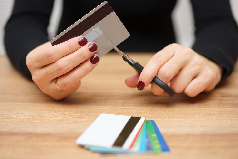 Comment résilier sa carte bancaire ? - billet de banque