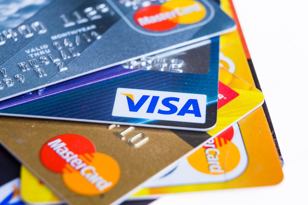 Comparatif des cartes Gold Mastercard et Visa Premier