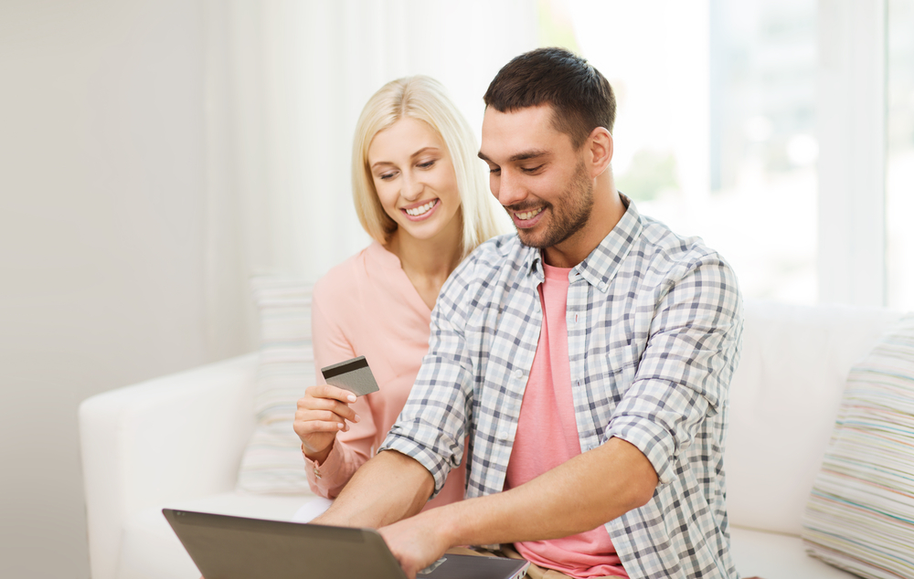 carte bancaire boursorama banque assouplit les conditions de gratuit pour les couples. Black Bedroom Furniture Sets. Home Design Ideas