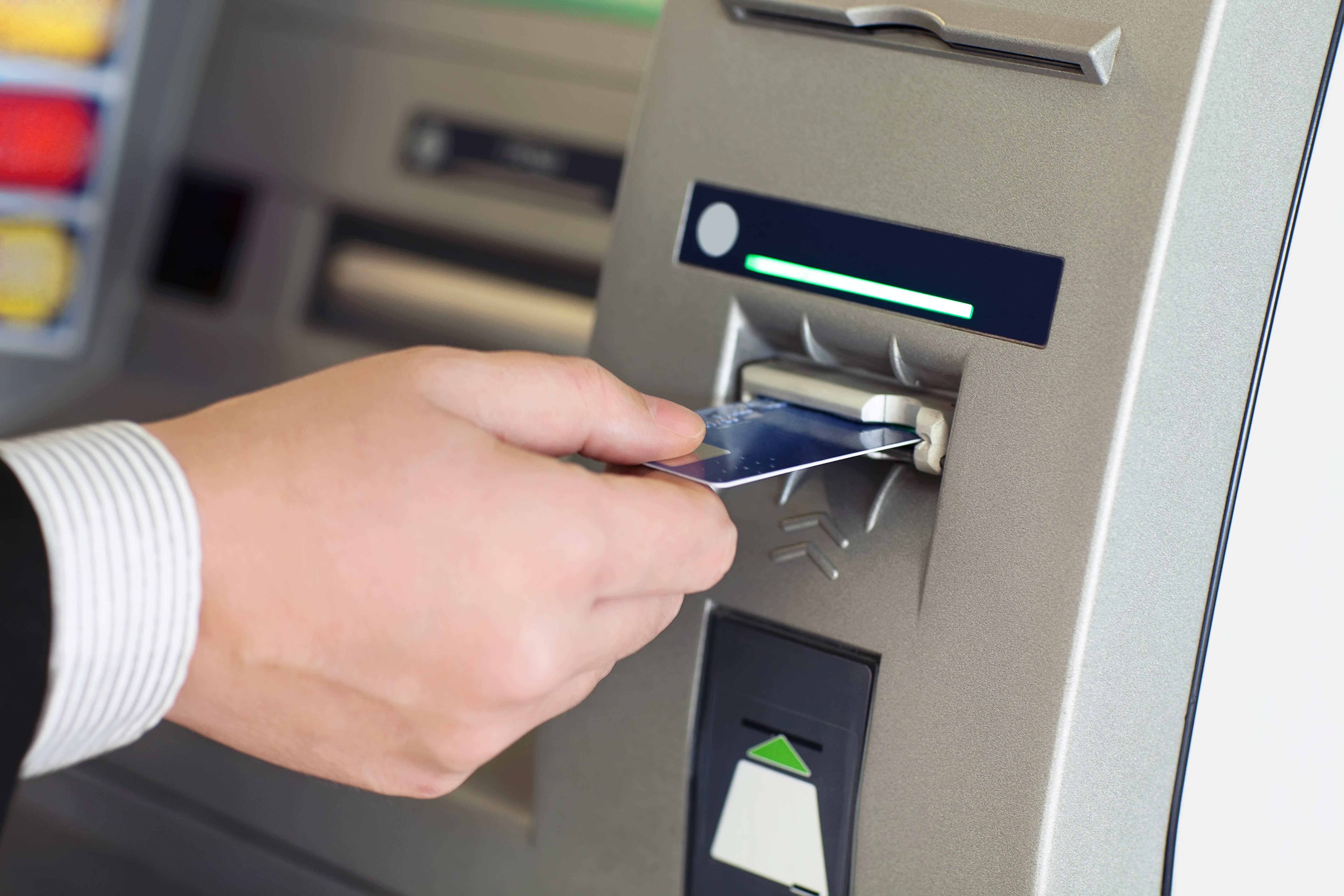 Automate Essence Carte Bancaire : carte bancaire muette explications billet de banque ~ Medecine-chirurgie-esthetiques.com Avis de Voitures