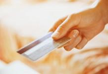 La carte bancaire : le moyen de paiement privilégié en France continue sa progression