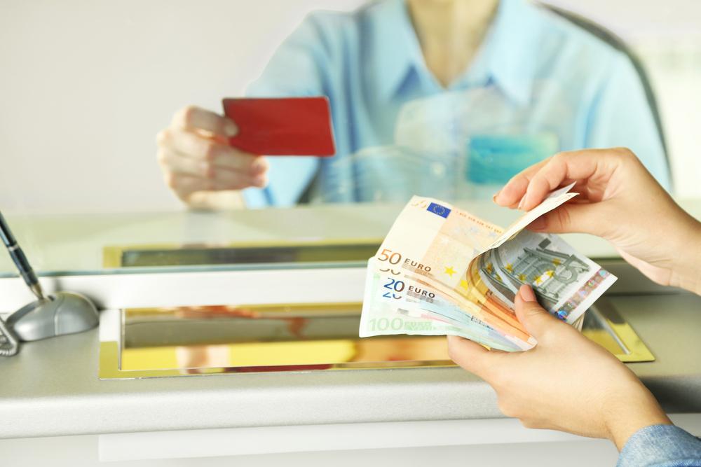 Retrait D Especes Au Guichet Y A T Il Un Plafond Billet De Banque
