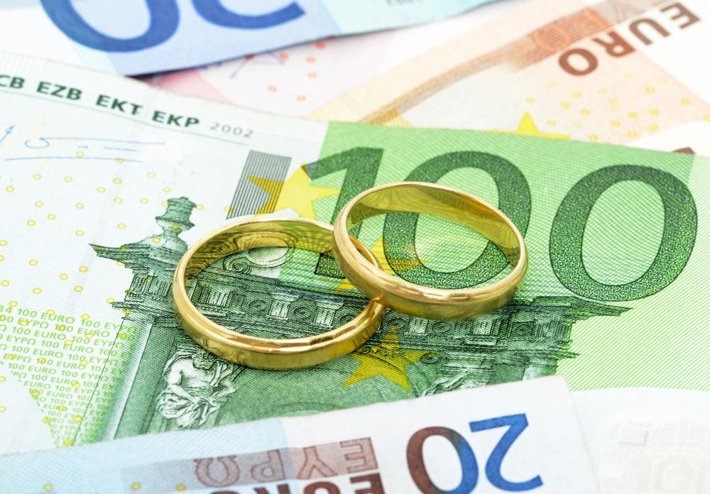 Faire une demande de crédit mariage - billet de banque