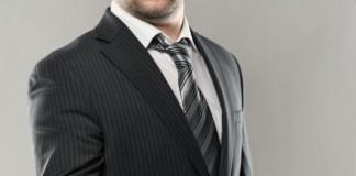 Regroupement de créances : passer par un courtier ?