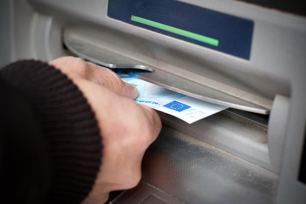 Carte Accord Retrait.Retrait Frauduleux En Especes Que Faire Billet De Banque